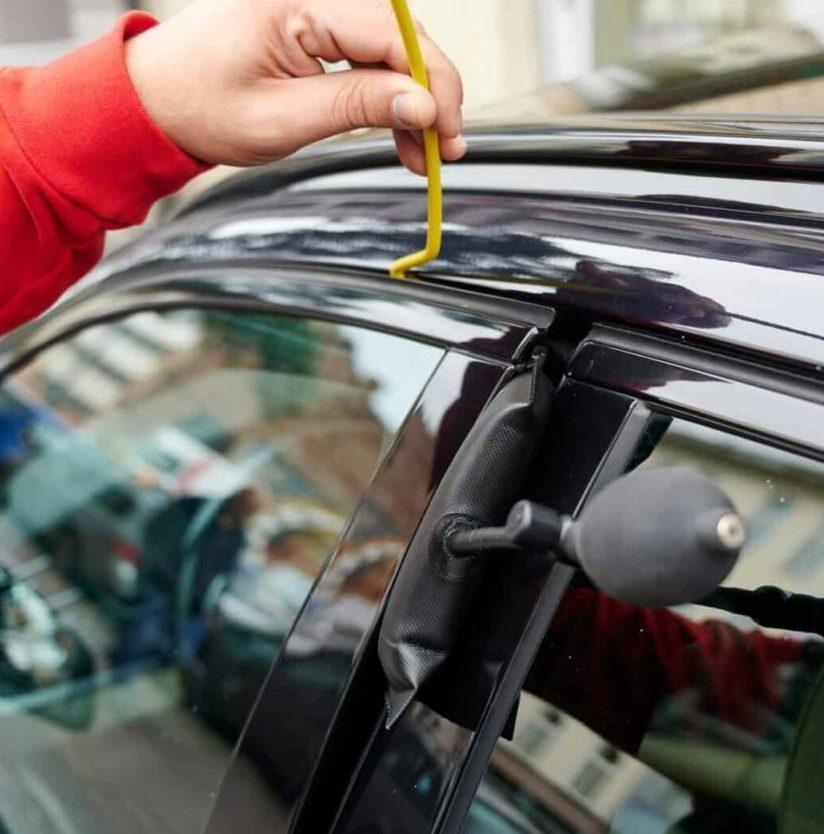 Autoöffnung mit Luftkissen